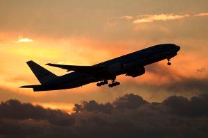 KLM_T7_&_sunset_(8128788932)